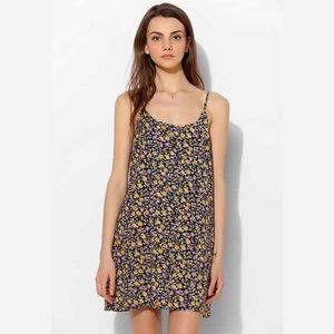 Kimchi Blue Simple '90S Slip Dress